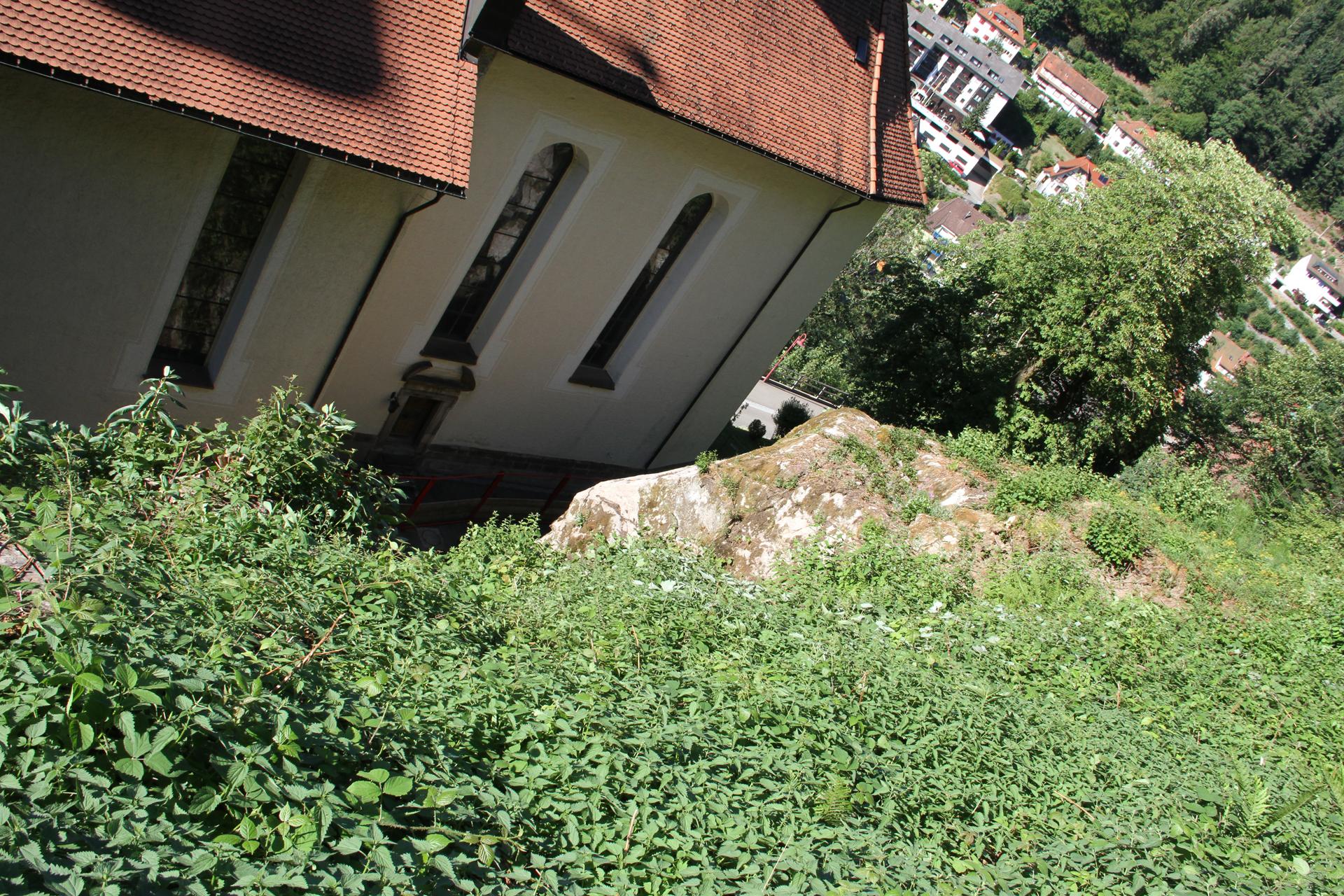 "Felsbrocken bedroht Wallfahrtskirche ""Maria in der Tanne"""