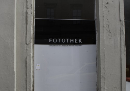 Fachgeschäft für vergessene Privatfotografien